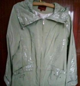 Куртка ветровка с отстегивающимся капюшоном