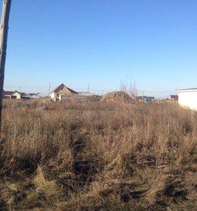 участок на Братской,есть фундамент, подведен газ.