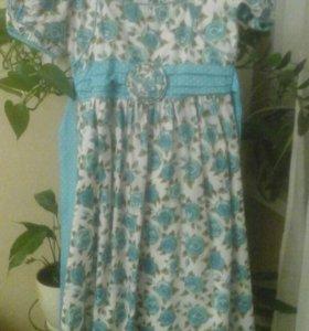 Платье на девочку. 134 размер.