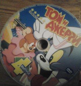 40 DVDисков