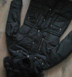 Пальто на пуху с натуральным мехом, размер 42