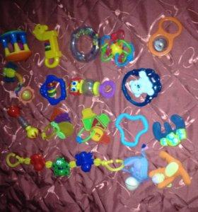 Игрушки пластмассовые