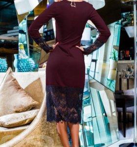 Платье облегающее с кружевом
