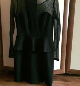 Чёрное платье с баской