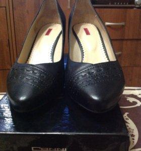 Туфли женские классика 39
