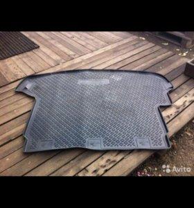 Резиновый коврик качественный в X-Trail