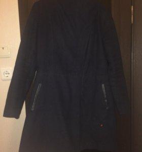 Продаю пальто Desigual