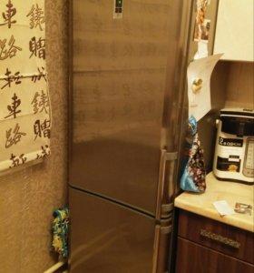 Инверторный холодильник Indesit
