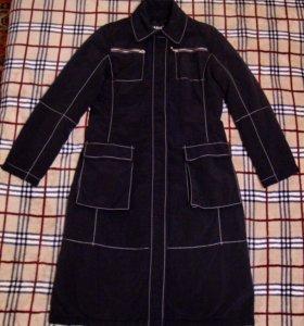 Пальто демисезонное из плащевой ткани на синтепоне