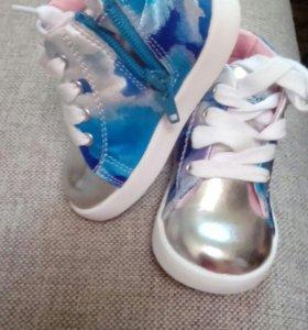 Детские ботинки, новые