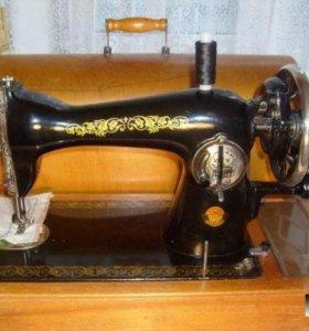 Продам две швейных машинки Подольск.