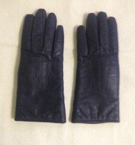Зимние кожаные женские перчатки