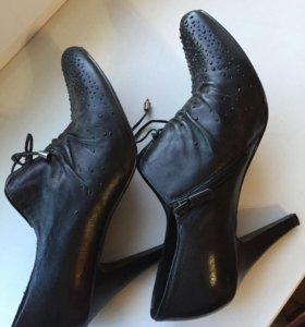 Ботиночки кожаные новые