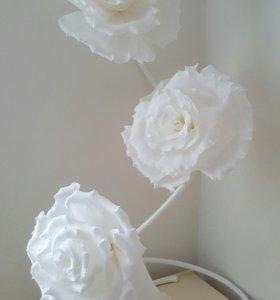 Цветы для фотосессии на стойке и для декора