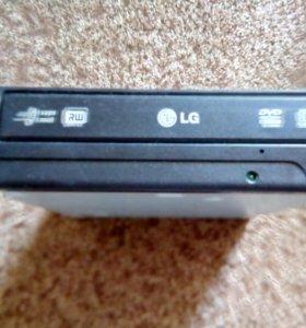 Дисковод LG в рабочем состоянии