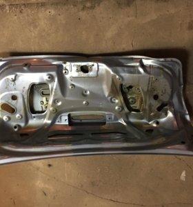 Крышка багажника Мазда 3 бк седан.