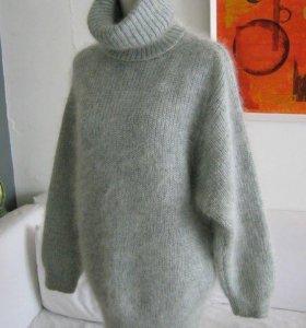 Вязаное платье-свитер из пушистого Мохера