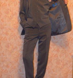 Костюм Тройка Garvin Holland Приятный серый цвет