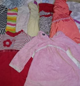 Много, много детских платьев