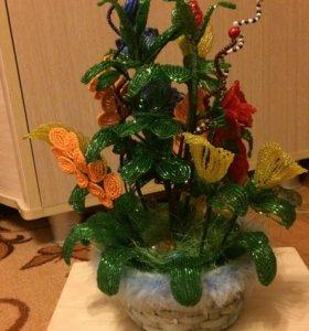 Красивая корзина цветов из бисера