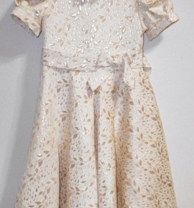 Праздничное золотое платье