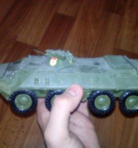 Собраная модель БТР-70