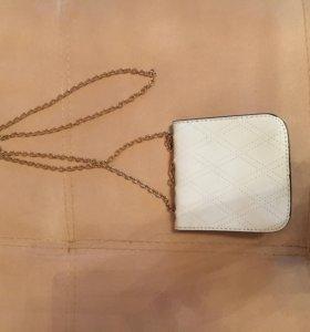 Маленькая сумочка для модницы;)