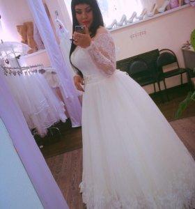 Красивенное свадебное платье!!!