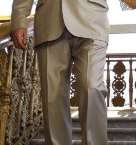 Костюм мужской (галстук в подарок)
