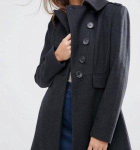 Пальто . Новое!