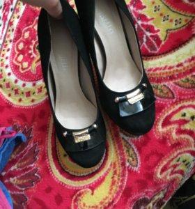 Замшевые туфли на НГ