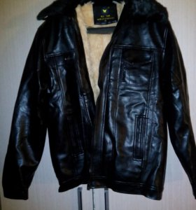 Кожаная куртка  новая зимнея