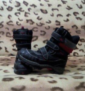 Ботинки для мальчика . Зимние.