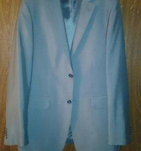 Пиджак с отливом 46 р.