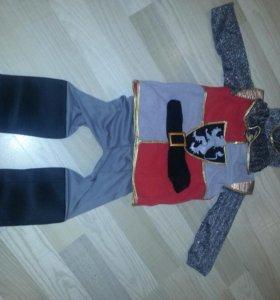 Карнавальный костюм рыцаря.