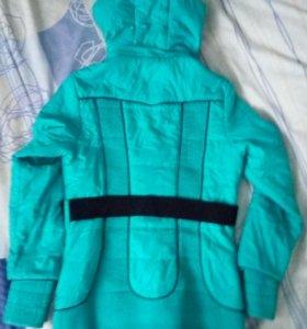 Куртка осенняя, одевалась несколько раз.