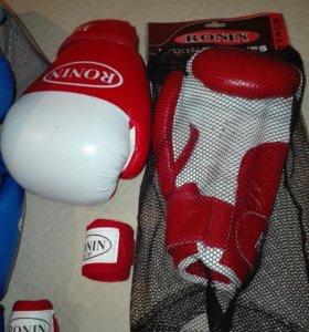 Перчатки боксерские новые на 10 унций