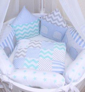 Бортики и одеяла в кроватку