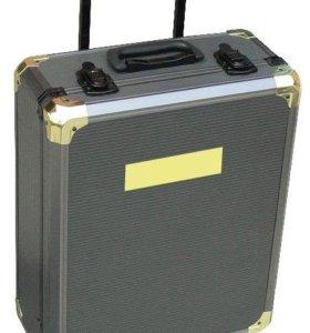 Набор инструментов в чемодане, новый