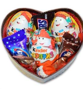 Сладкий подарочный набор из шоколада Мини и Киндер