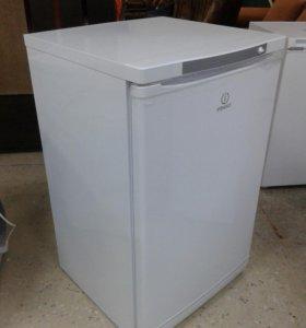 Новый морозильный шкаф Indesit SFR100