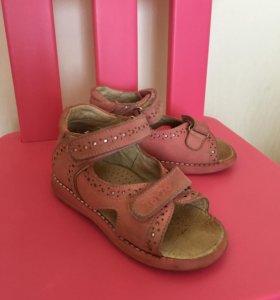 Детские сандали, Тотто