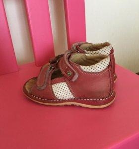 Детские сандали Тотто