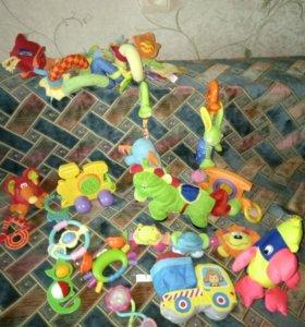 Игрушки детские в коляску