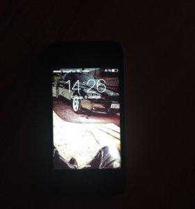 Продам 4 айфон на 16Г