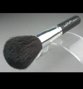 Кисточка для макияжа из козьей шерсти