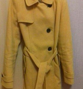 Куртки ,пальто,