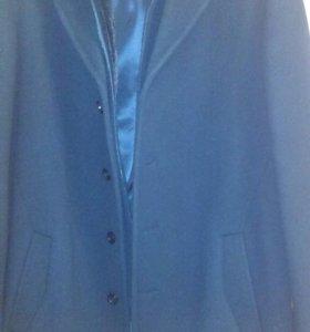 Новое мужское пальто.