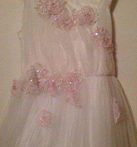Платье праздничное 142р.