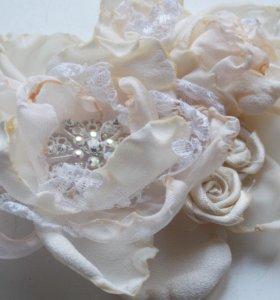 Брошь-заколка цветок из ткани
